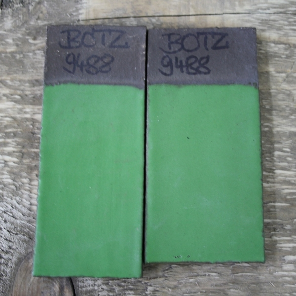 9488 Зеленая матовая глазурь Botz